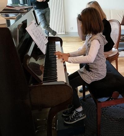 Seulement un an de piano et déjà beaucoup de maîtrise