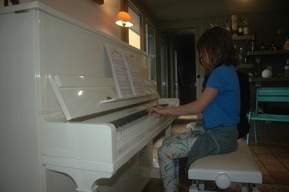 jeune élève au piano audition 2016